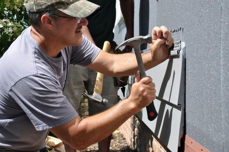 installing insulated vinyl siding