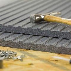 hammer-nails-siding
